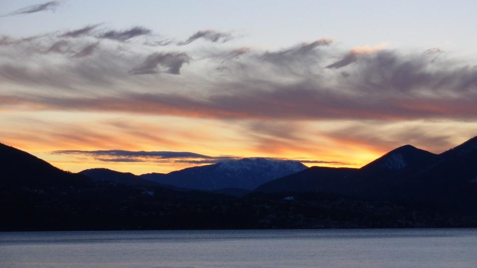 Alba sul Lago Maggiore